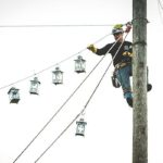 Climbing-for-lost-linemen (116)